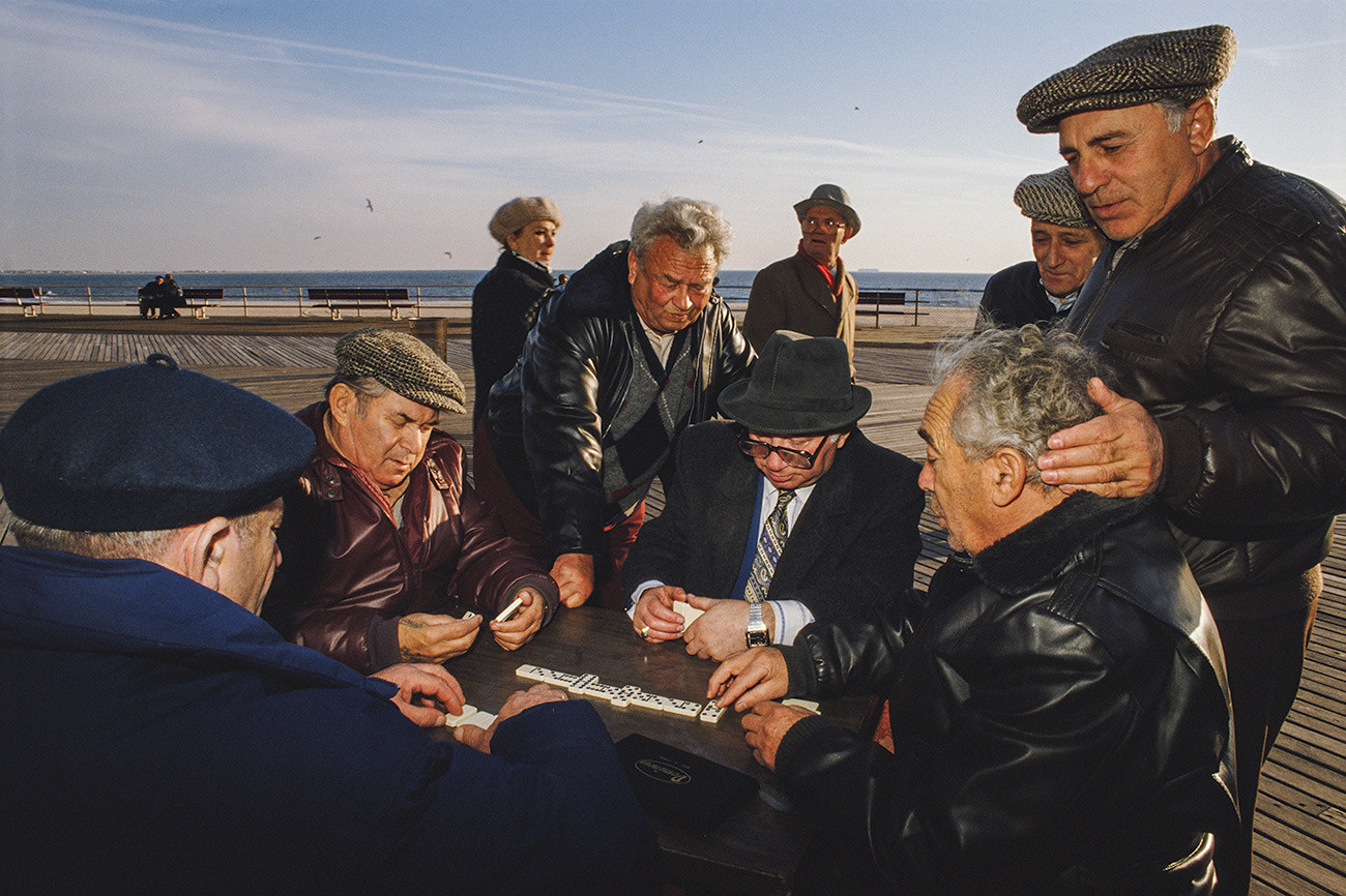 Elderly Russians play dominoes on the promenade at Brighton Beach, Brooklyn, New York City, 1989