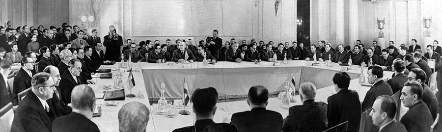 Варшавскиот совет на европски држави за обезбедување мир и безбедност во Европа, 1955 година