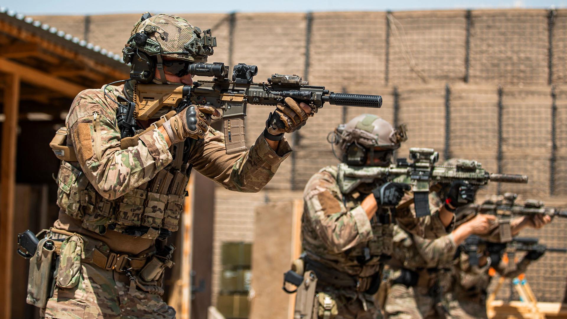 HK416 v službi nizozemske vojske