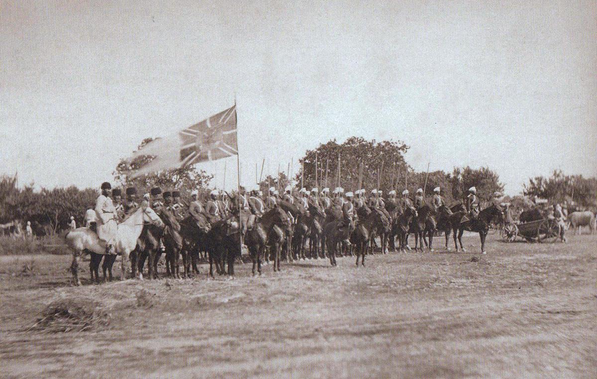 Великиот кнез Александар Александрович со козачки конвој по заземањето на Плевна.