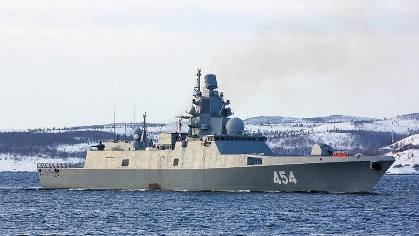 """Ракетната фрегата на Северната флота """"Адмирал Горшков"""""""