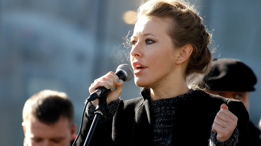Pembawa acara televisi dan aktivis oposisi Ksenia Sobchak menyalonkan diri pada pemilihan presiden Rusia pada 2018.