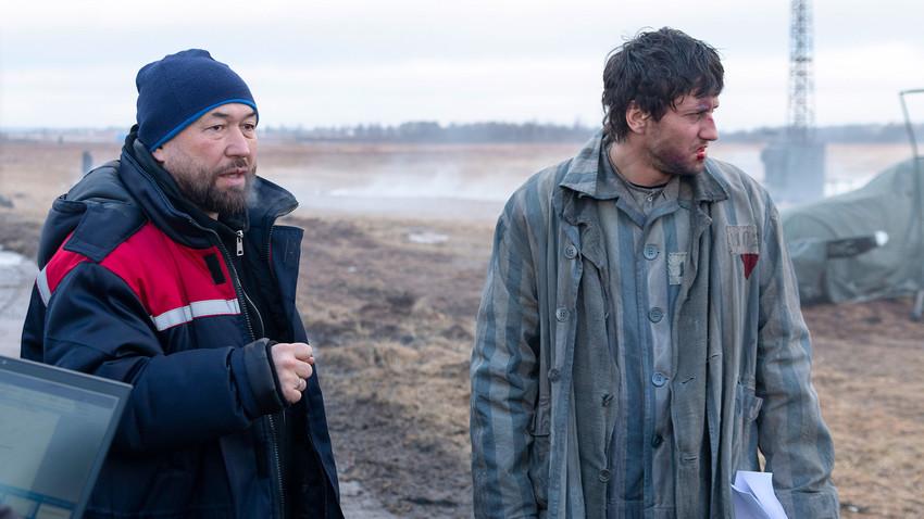 Redatelj Timur Bekmambetov (L) i glumac Pavel Prilučni