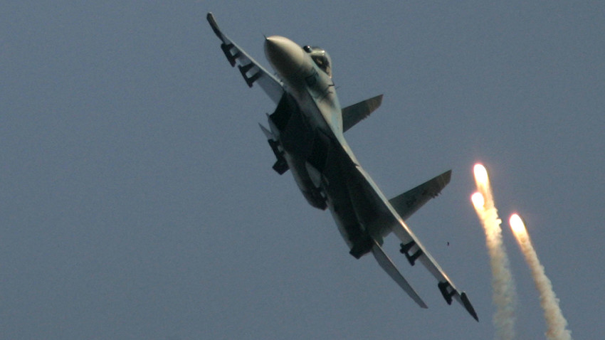 Jet tempur Sukhoi Su-27.