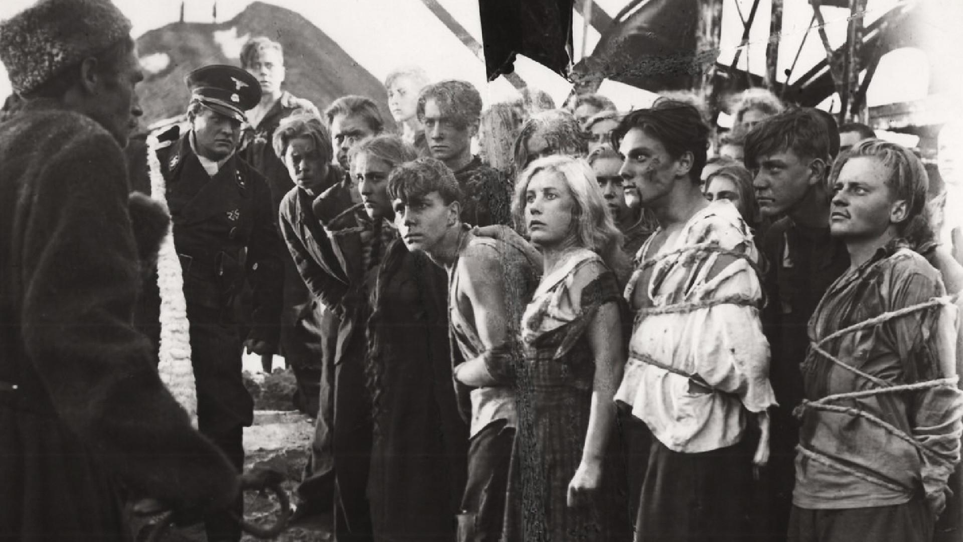 Музыку к фильму «Молодая гвардия» написал Дмитрий Шостакович. В фильме дебютировала юная Нонна Мордюкова