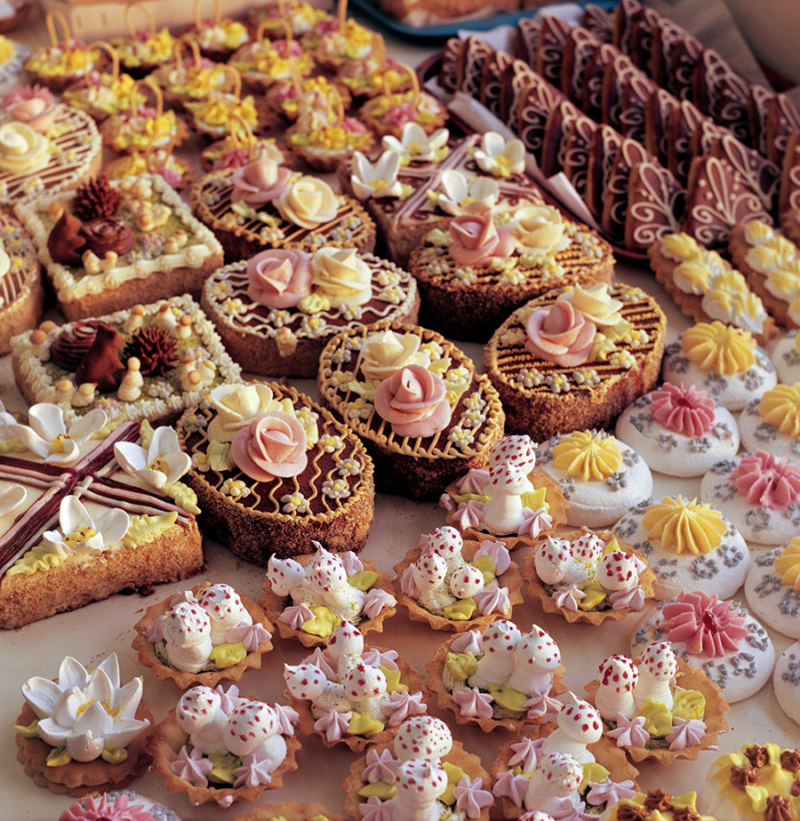 Sweets produced at the Moldavian SSR's factory.