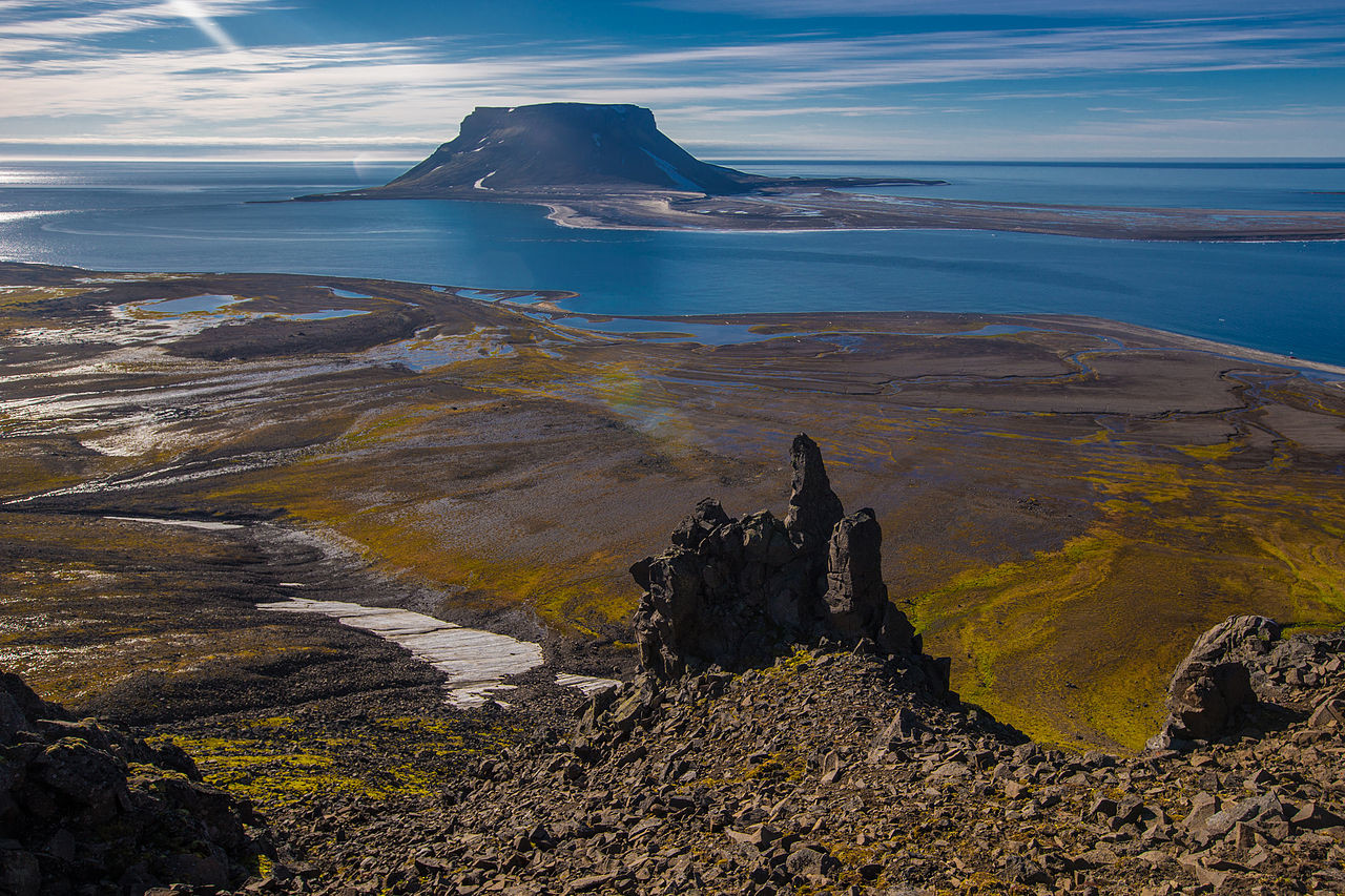 Pogled na otok Bell, Dežela Franca Jožefa