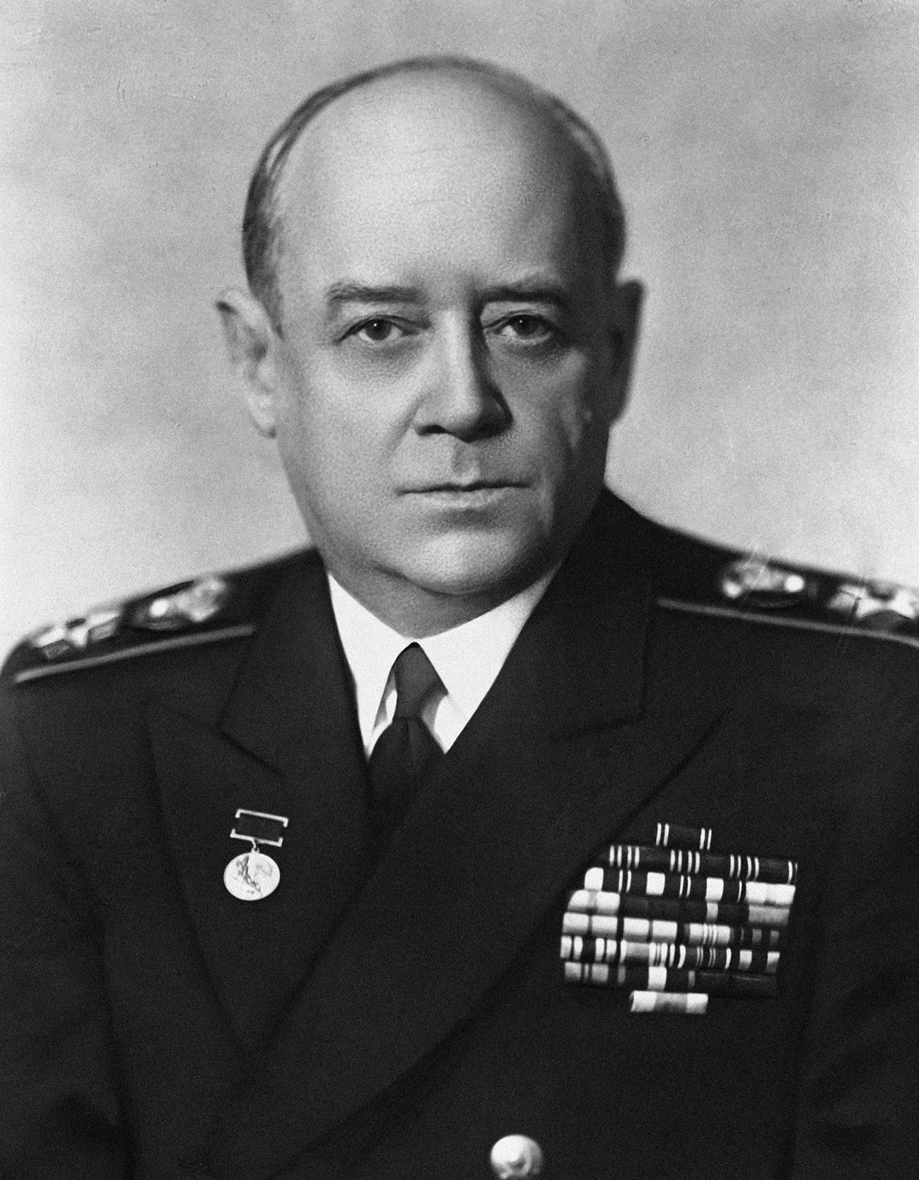 Адмиралот на флотата на Советскиот Сојуз Иван Степанович Исаков (1894-1967). Репродукција на фотографија.