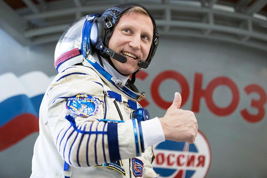 Новогодний стол космонавтов не обходится без черной икры