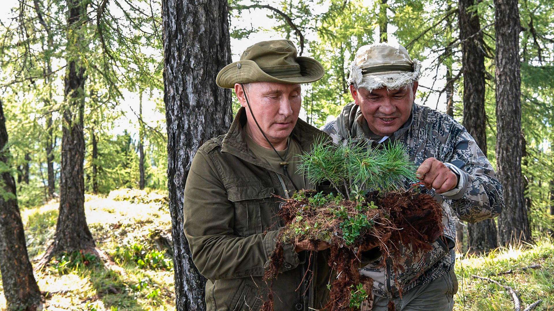 プーチン大統領とセルゲイ・ショイグ国防相がトゥヴァにて