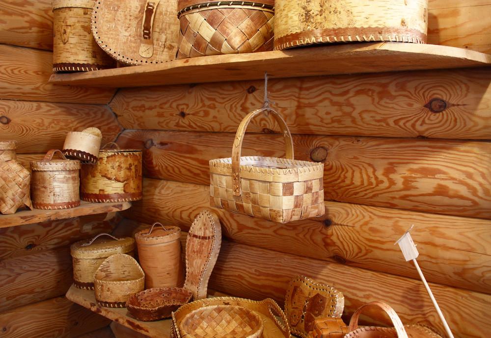 Birch bark 'beresta' handmade items
