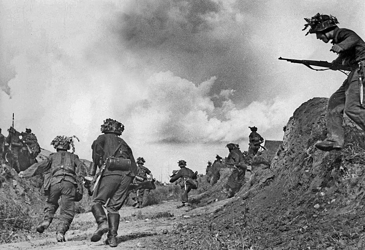 """Војници шпанске """"Плаве дивизије"""" у Русији."""