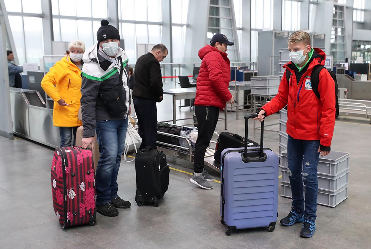 旅行先から帰国できないロシア人旅行者が少なくない