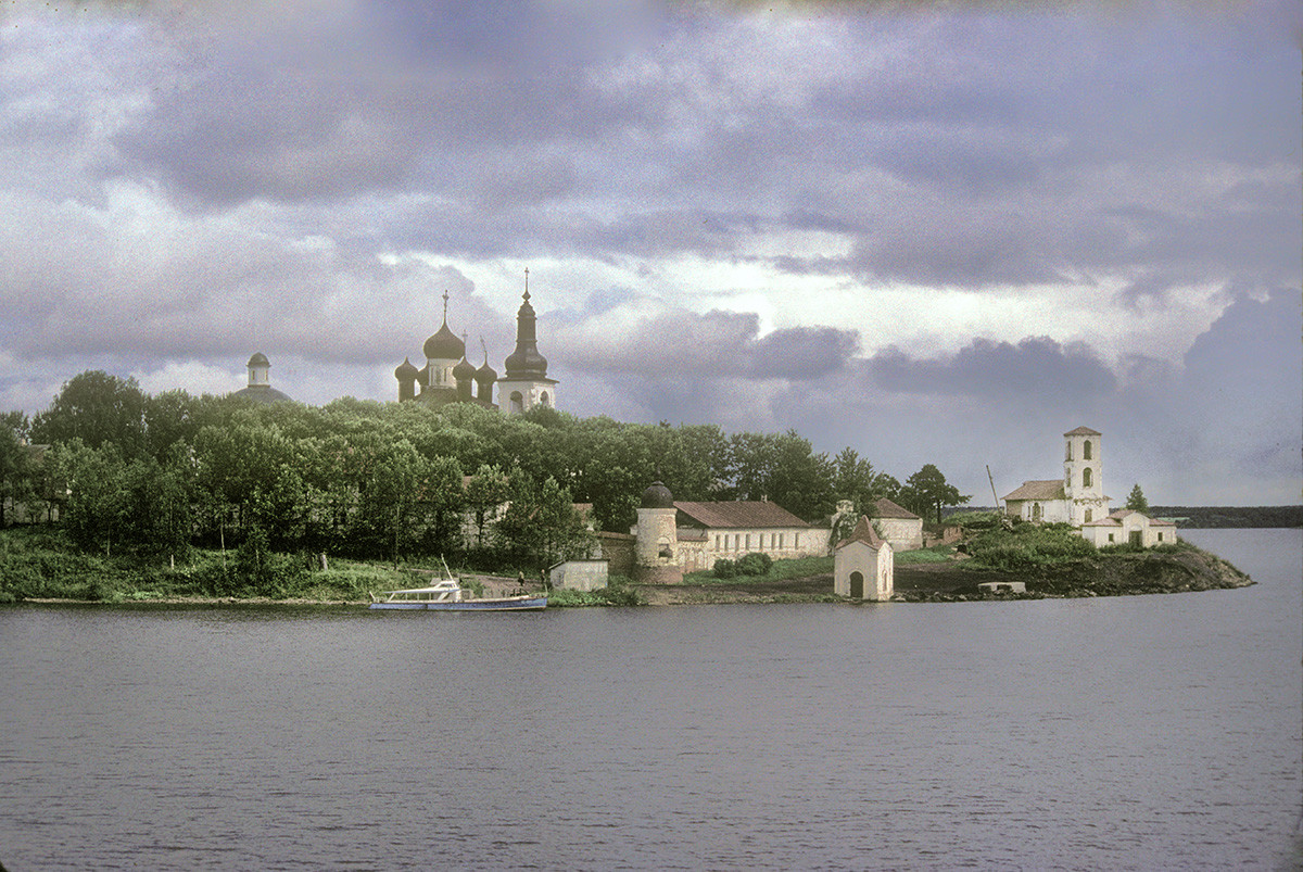 Resurrection Convent, view from Sheksna River. From left: Trinity Cathedral, Resurrection Cathedral & bell tower, west wall, Chapel of John the Baptist, Church of the Presentation. August 8, 1991