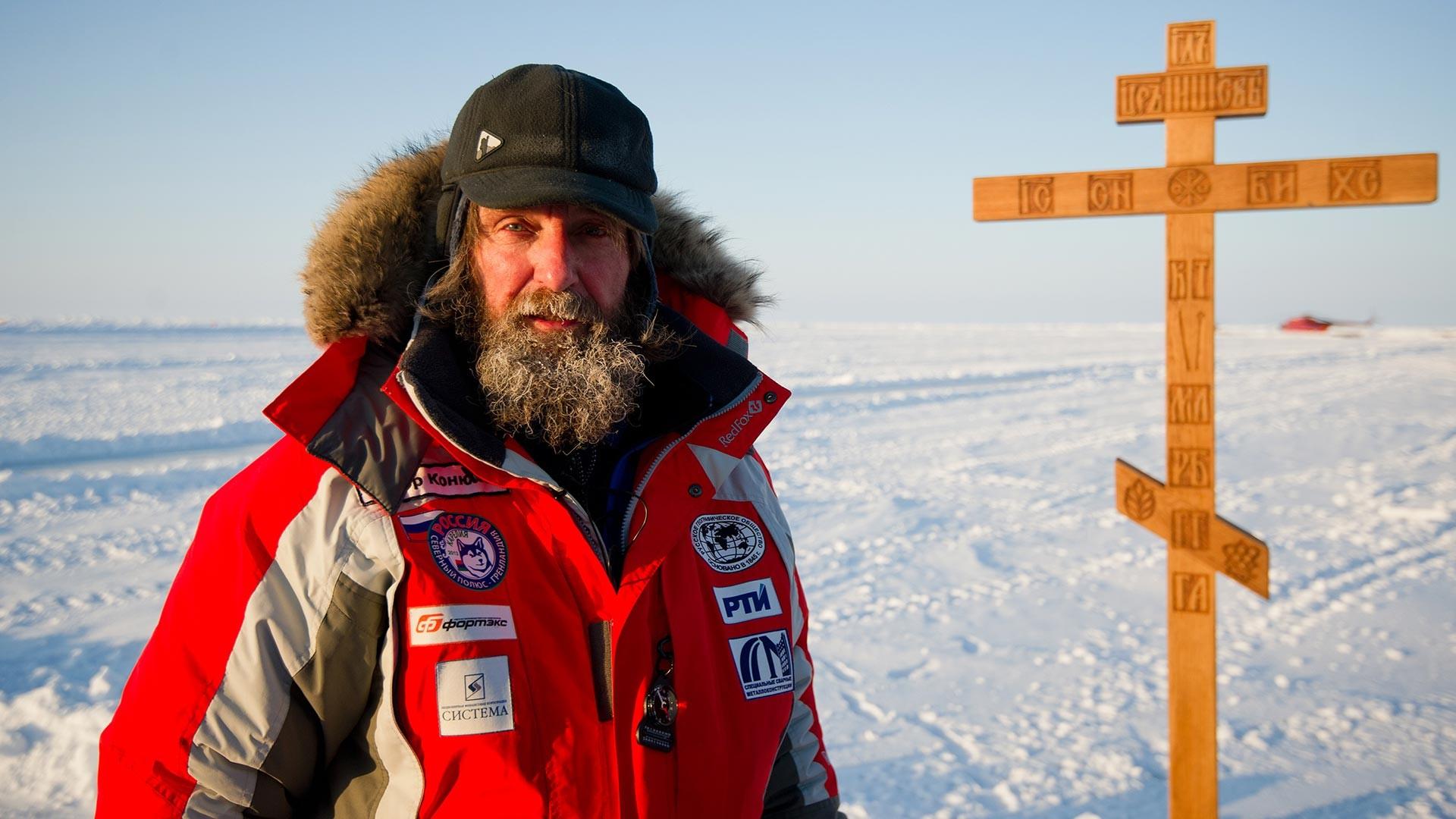 """Руски путник Фјодор Коњухов на плутајућој леденој бази """"Барнео"""" на Арктику у оквиру експедиције """"Карелија – Северни пол – Гренланд""""."""