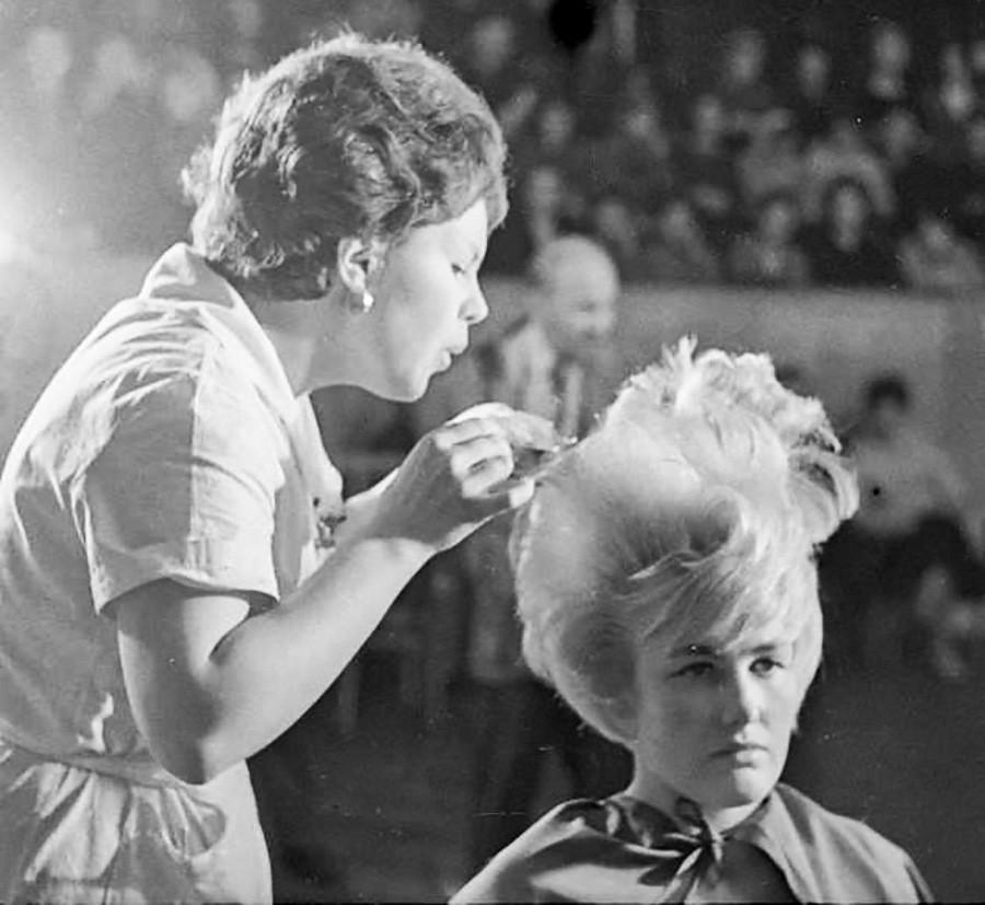 'Golden Hands' master Tatyana Konstantinova at a competition, 1962