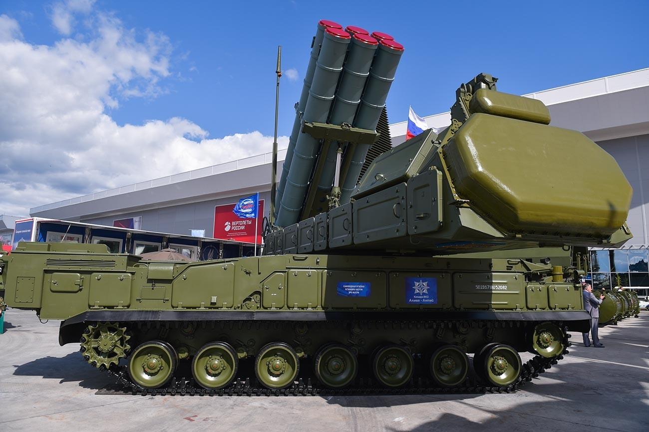 """Противвоздушен ракетен систем """"Бук-М3"""""""