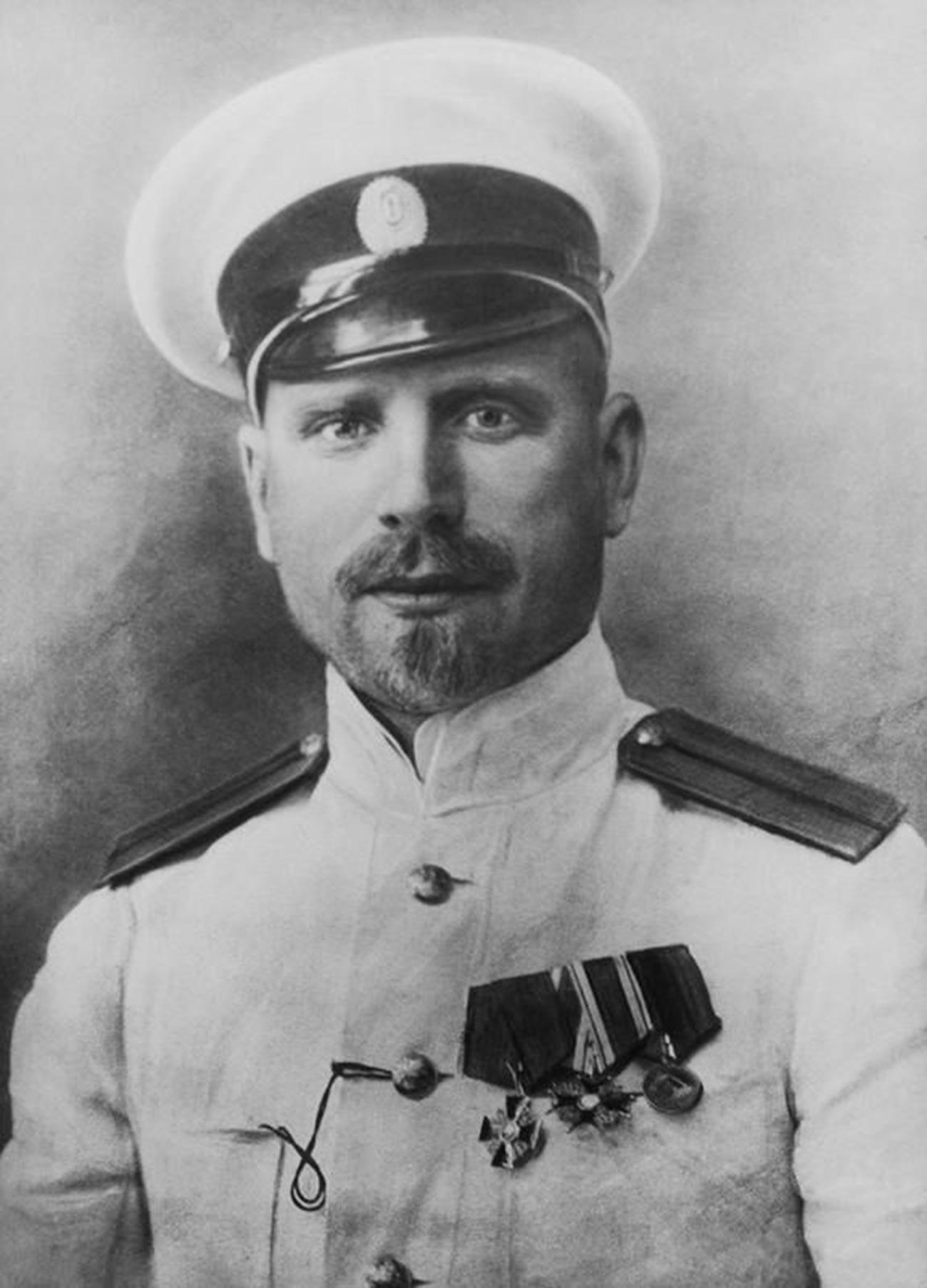 Georgij Jakovljevič Sedov (1877.-1914.), poznati kapetan. Pohod Georgija Sedova na Sjeverni pol na brodu
