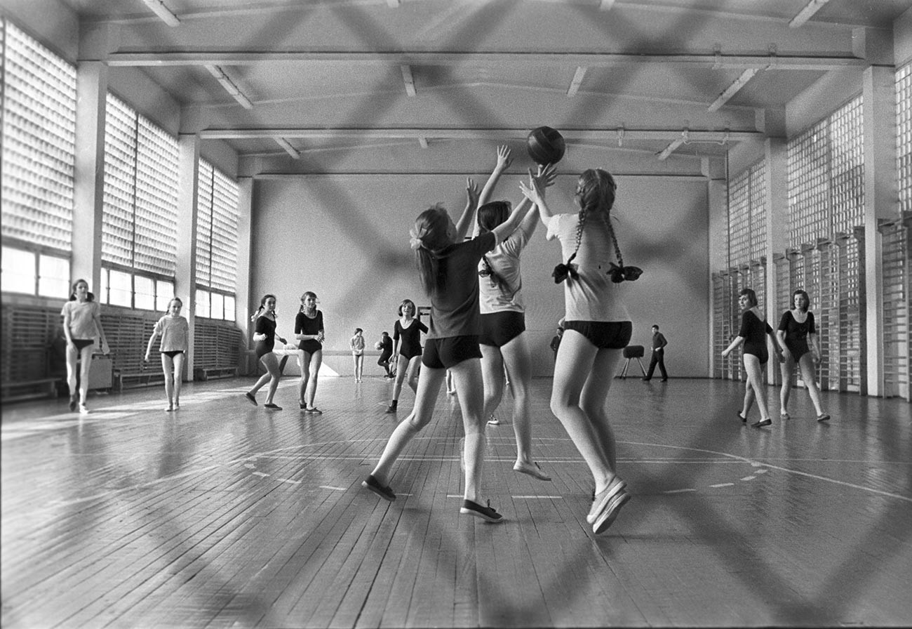 GIrls playing basketball in a Soviet school