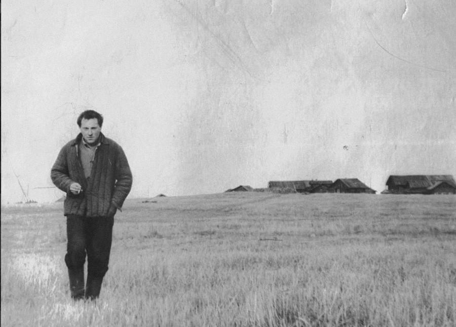 Иосиф Бродский в поле