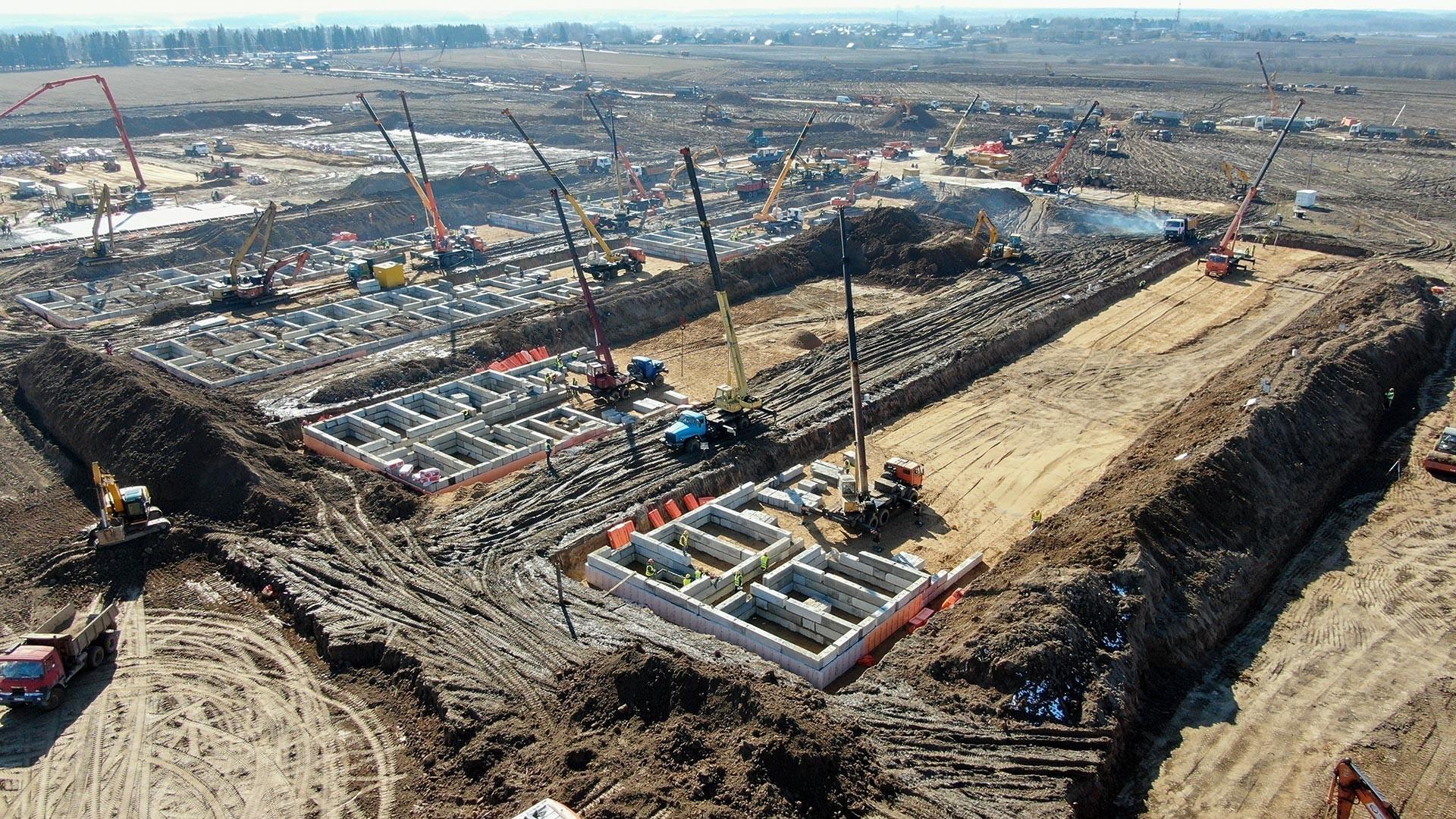 Текот на изградбата на комплексот на нова инфективна клиника, Троицки и Новомосковски административен округ, Москва