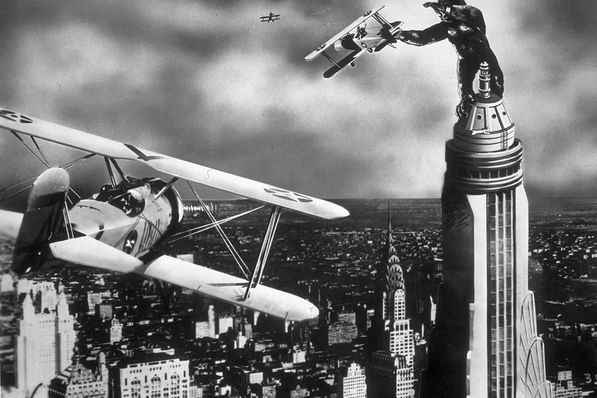 1933年に映画『キングコング』が公開された。