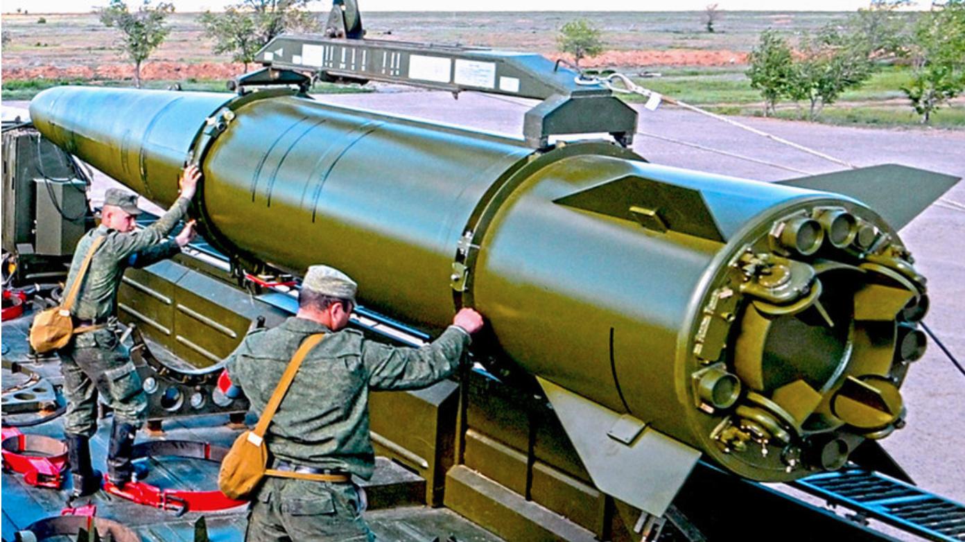"Оперативно-тактички ракетни комплекс ""Искандер-М"""
