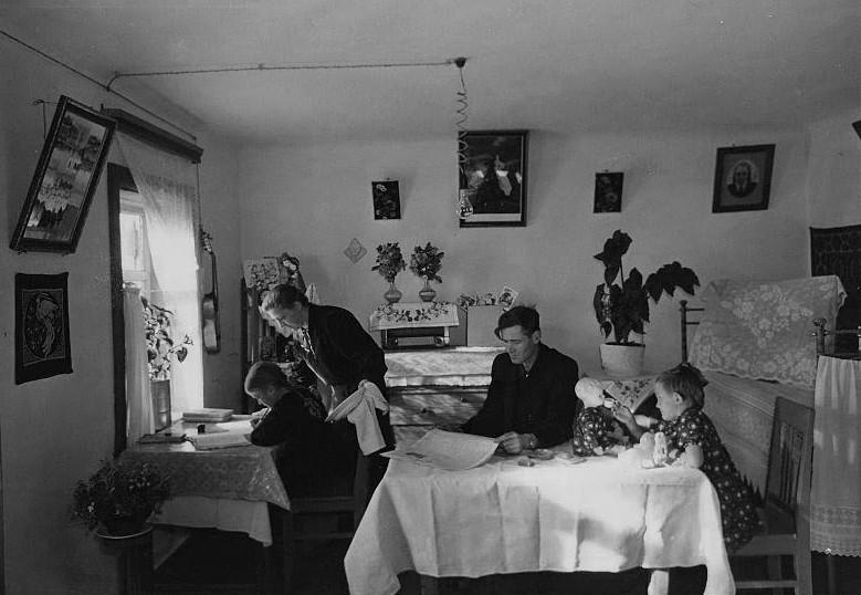 ガレージ管理者のイワン・マスロフの家、1957年