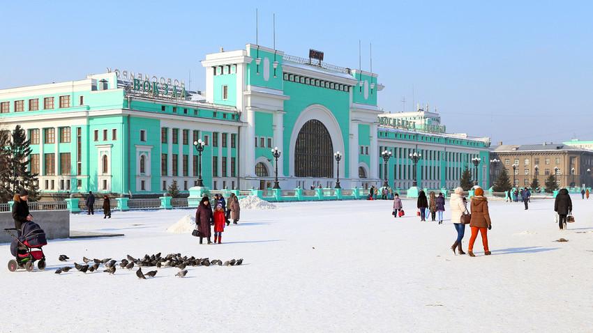 ノヴォシビルスク中央駅前
