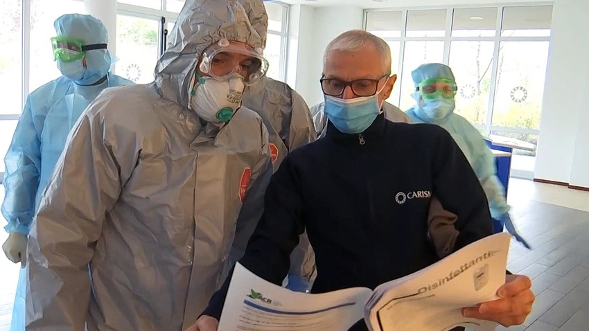 ロシアの専門家はベルガモの病院を視察する。