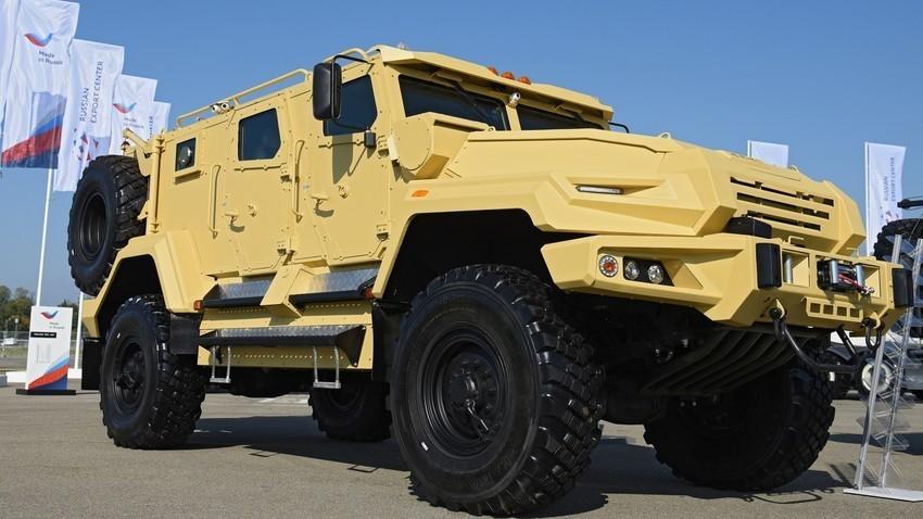 "Višenamjensko oklopno vozilo ""VPK-Ural"""