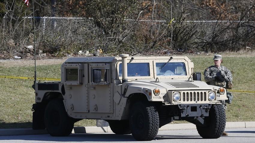 Američki Humvee, visokomobilno višenamjensko vojno vozilo.