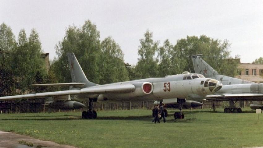 Музејски примерак авиона Тупољев Ту-16.