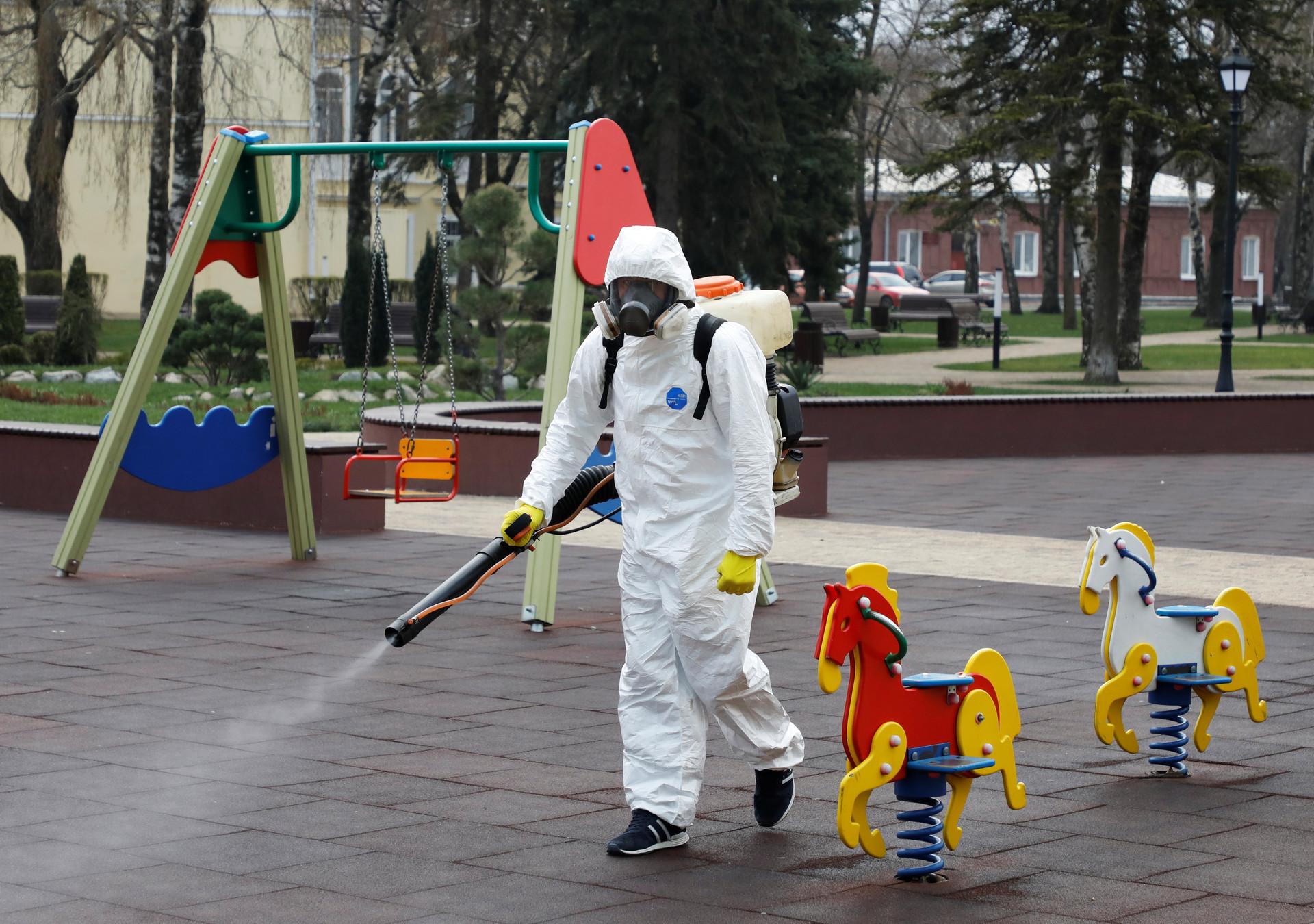 Razkuževanje javnih površin v Stavropolu, Rusija