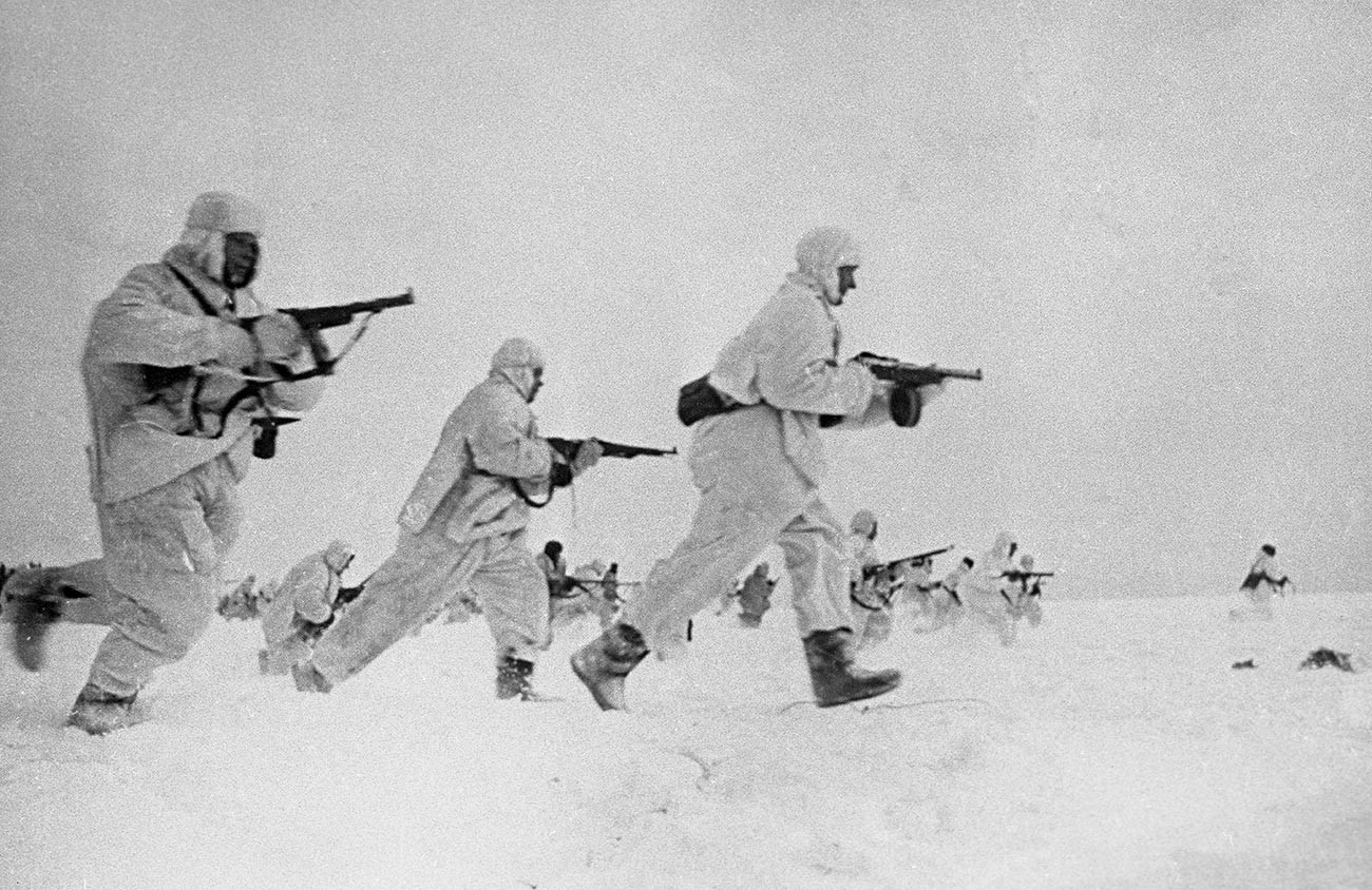 Советские войска в ходе Битвы за Москву.