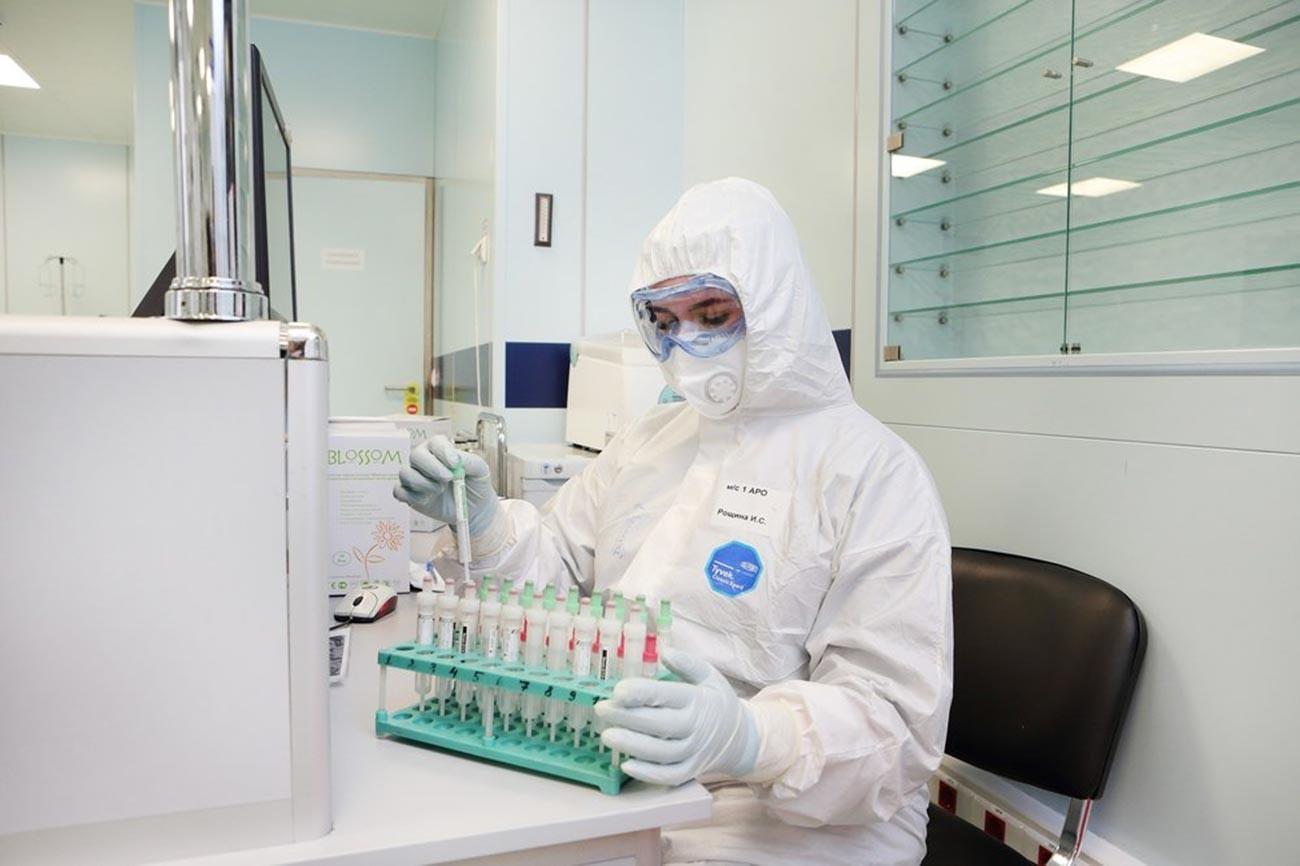 """Градската клиничка болница број 15 """"Филатов"""". Болницата е преориентирана за лекување пациенти со коронавирусот COVID-19"""