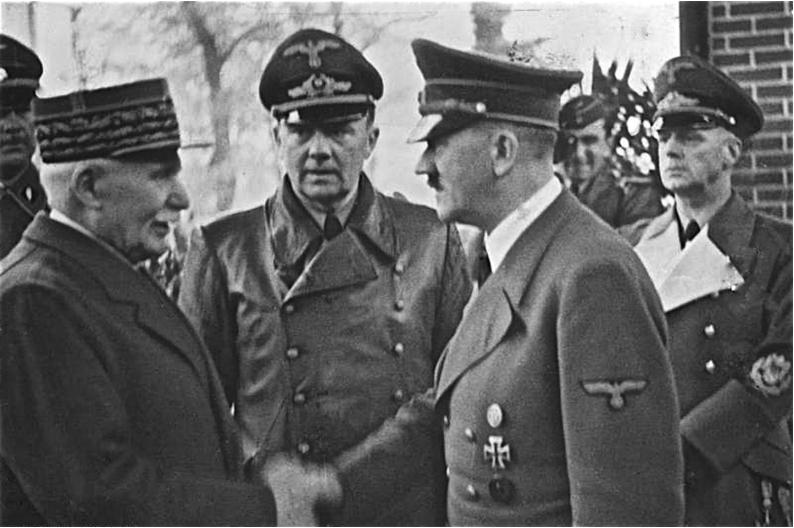 Predsednik vichyjevske Francije Philippe Petain in Adolf Hitler oktobra 1940