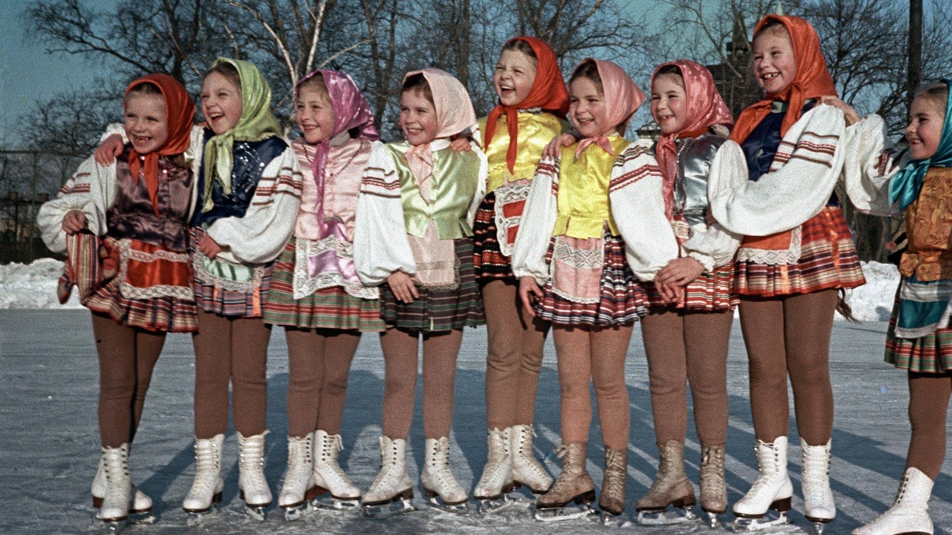 Elèves de l'école de jeunes patineurs