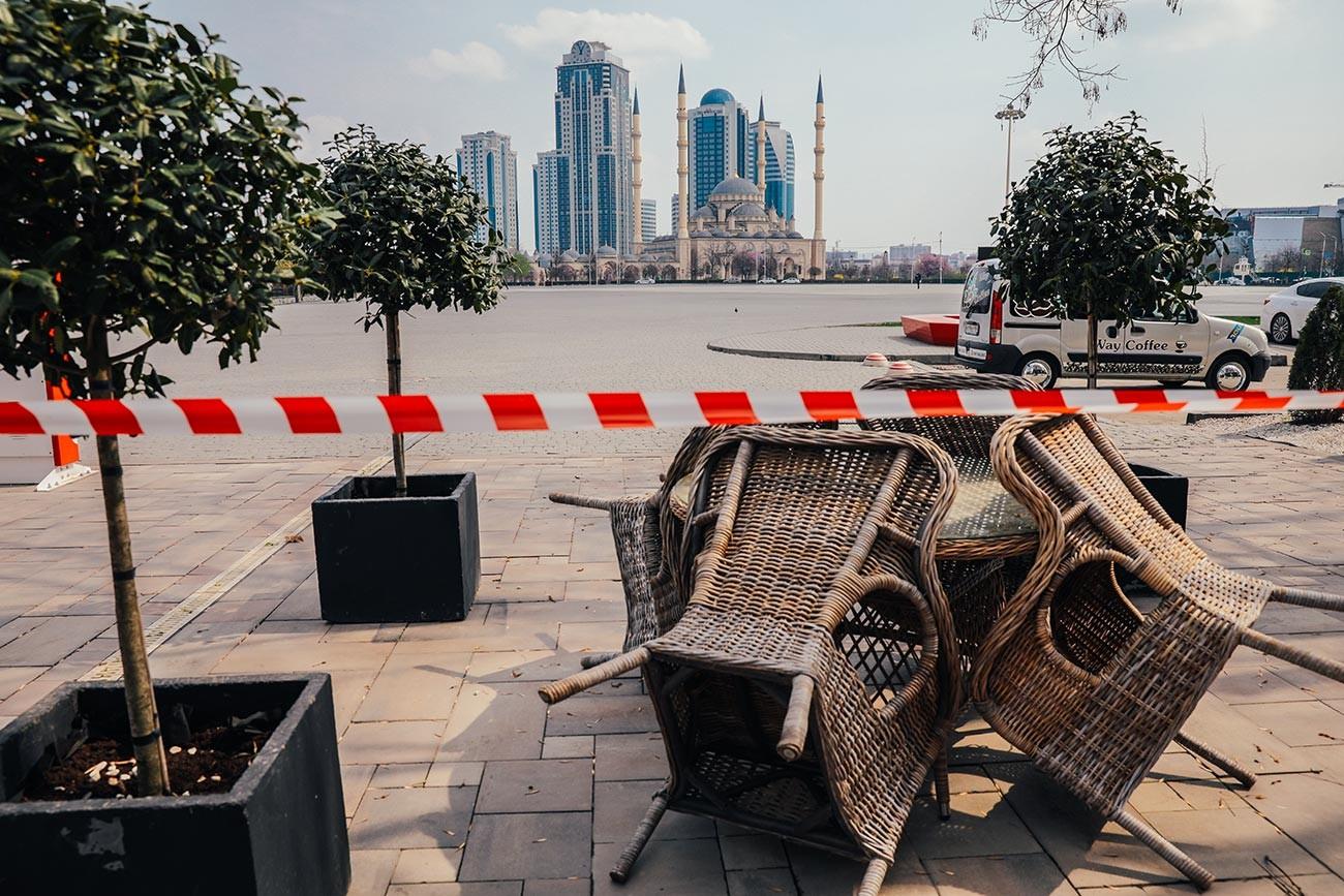 閉鎖されたアフマド・カディロフ広場