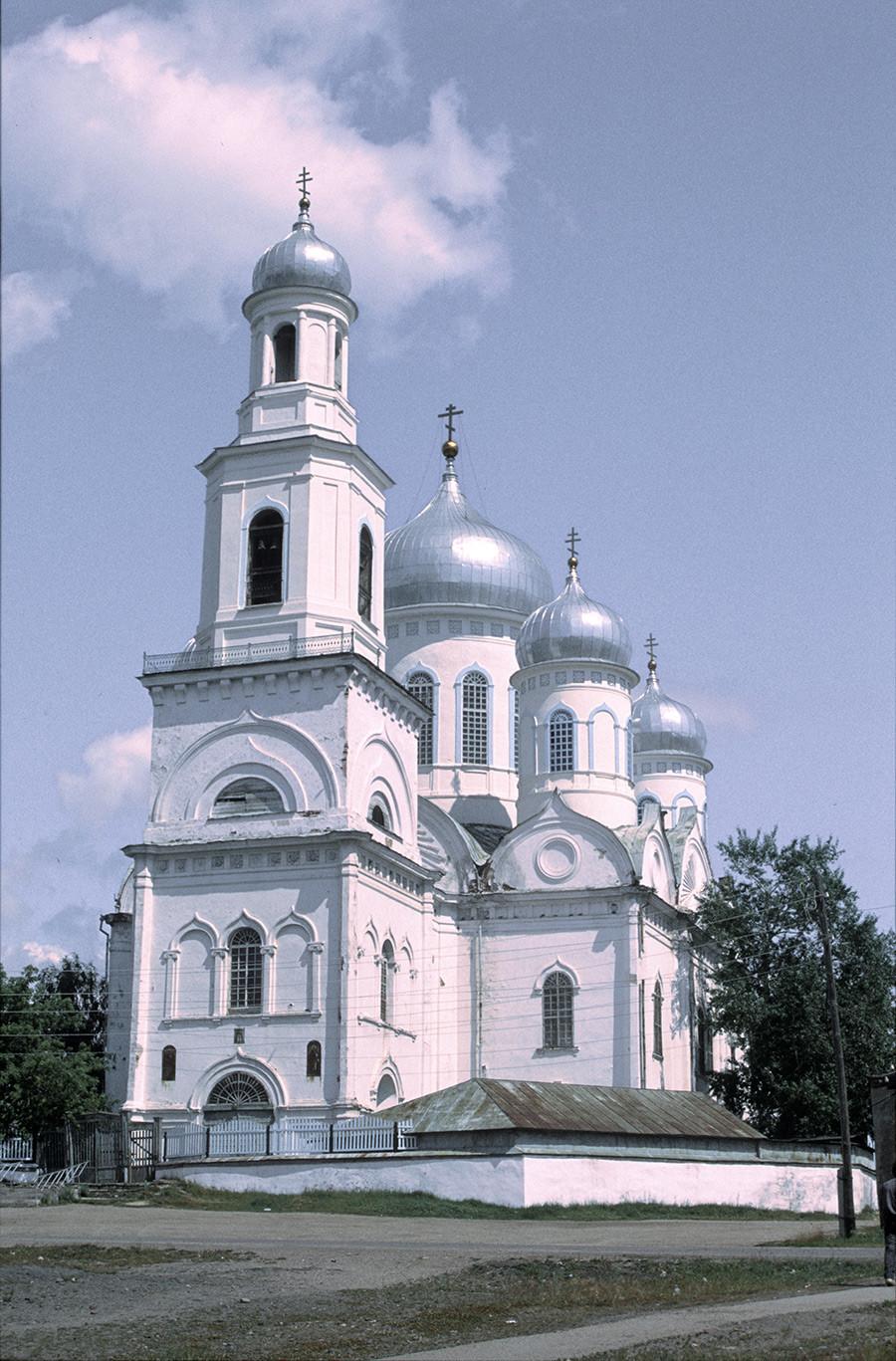 Kasli. Cerkev vstajenja, pogled iz jugozahoda. 14. julij 2003