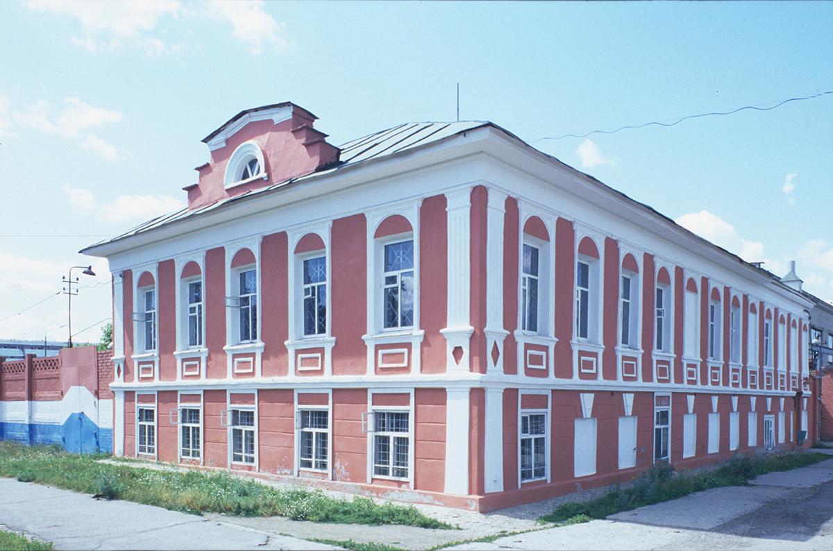 Hiša M. V. Golovanova. Zdaj Muzej tovarne radia, Sovjetska ulica št. 28. 14. julij 2003