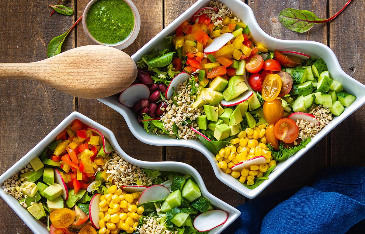 Начинайте каждую трапезу с яркого салата из свежих овощей!