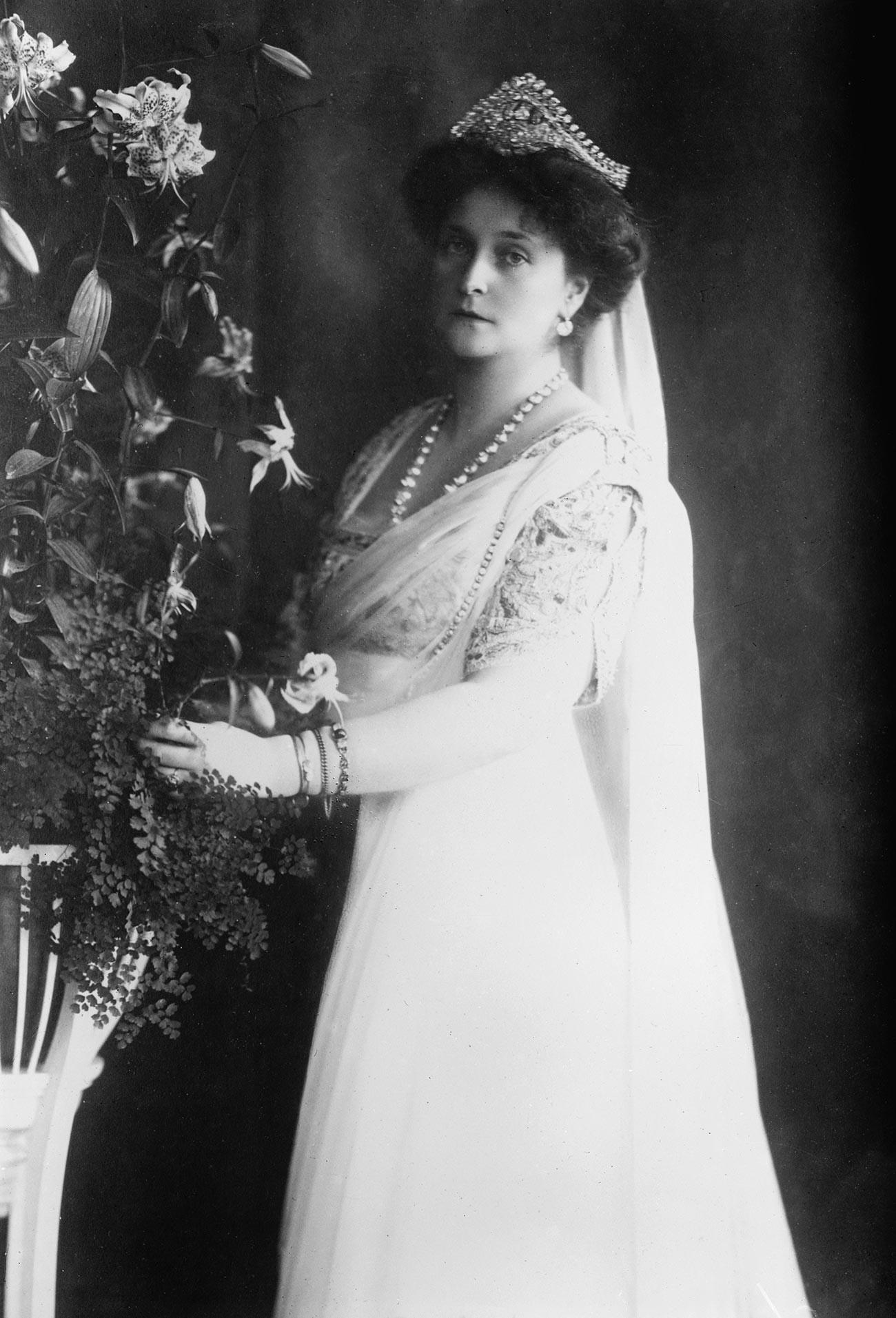 Permaisuri Aleksandra Fyodorovna (1872 – 1918).