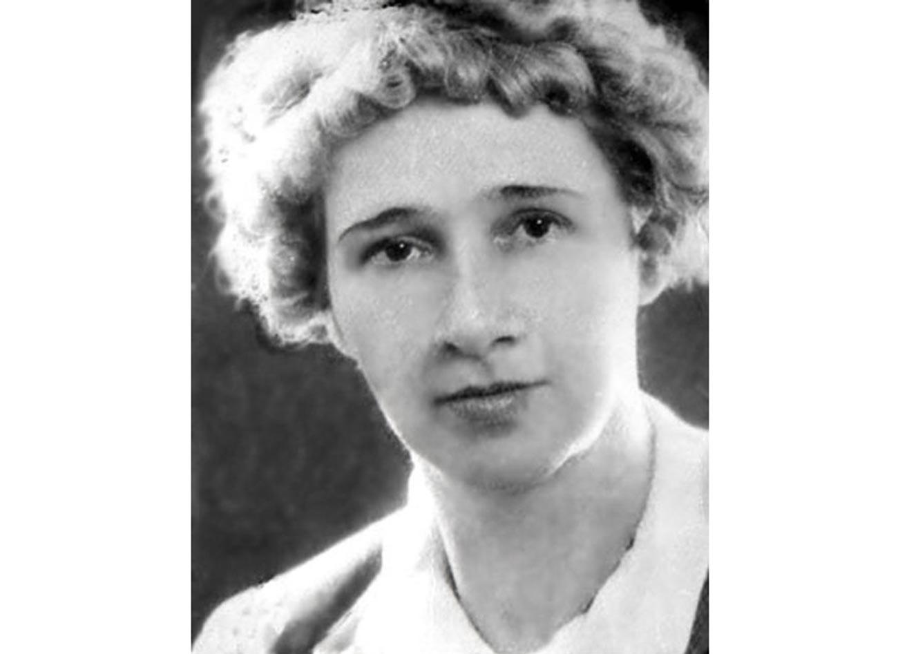 Елеонора Крjyгер