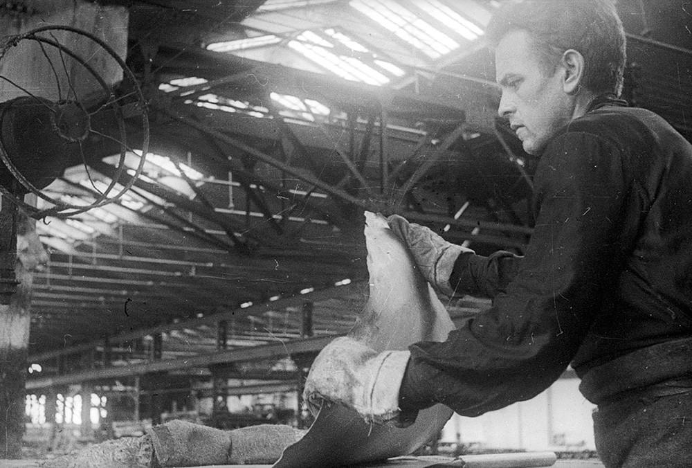 モロトフ記念工場のスタハノフ運動者が仕事中