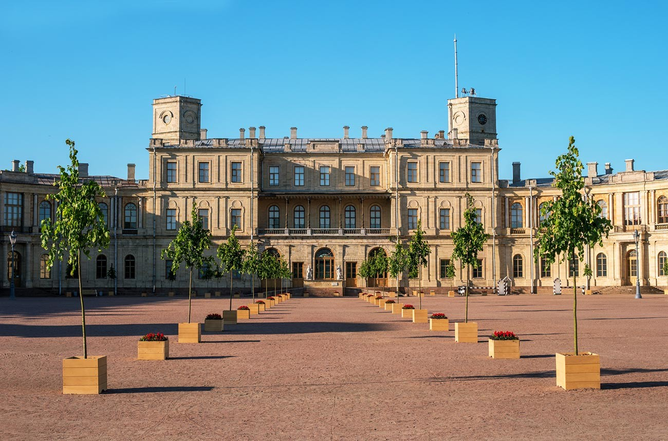 The magnificent Gatchina Palace was a present from Catherine to Grigoriy Orlov. Later, Pavel Petrovich lived here.