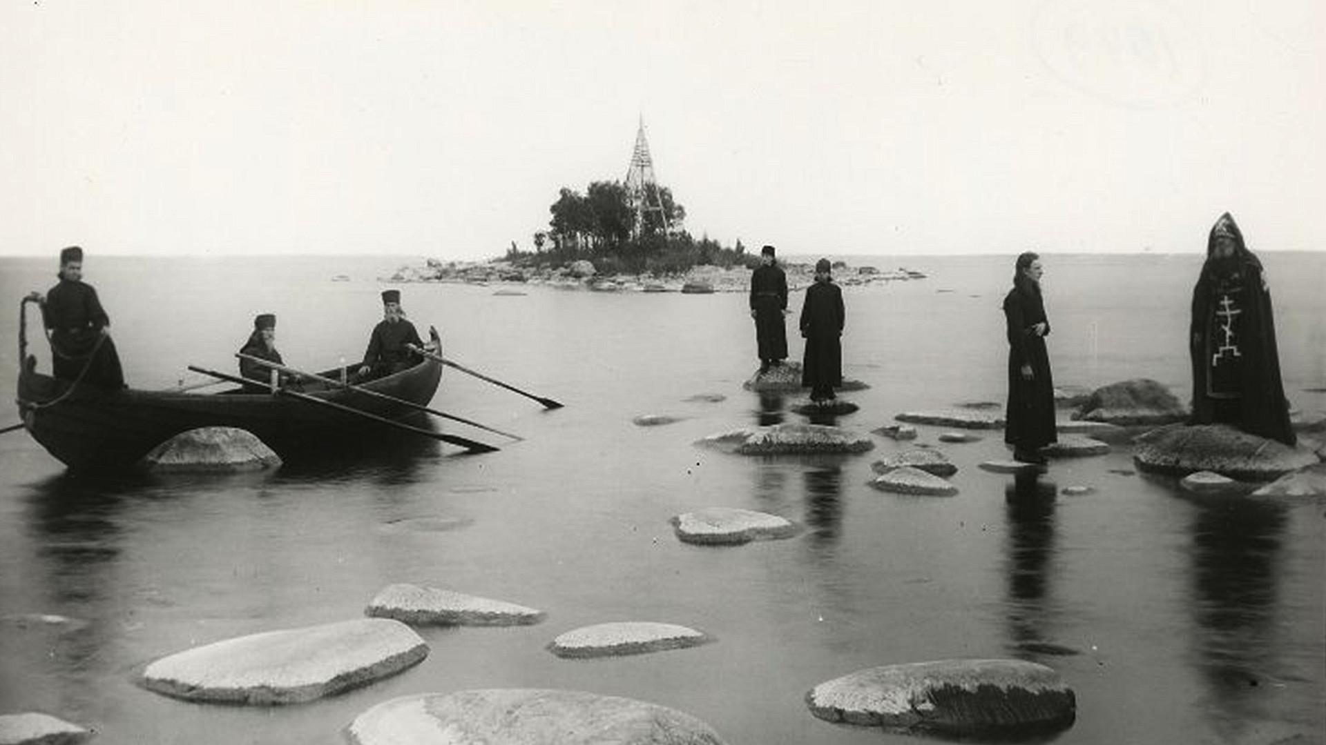Monks on the lake. Konevsky monastery, 1895-1905