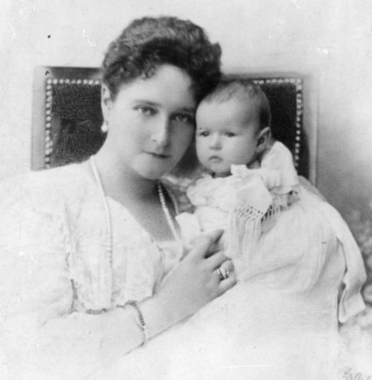 Empress Alexandra Fyodorovna with Anastasia as a toddler.