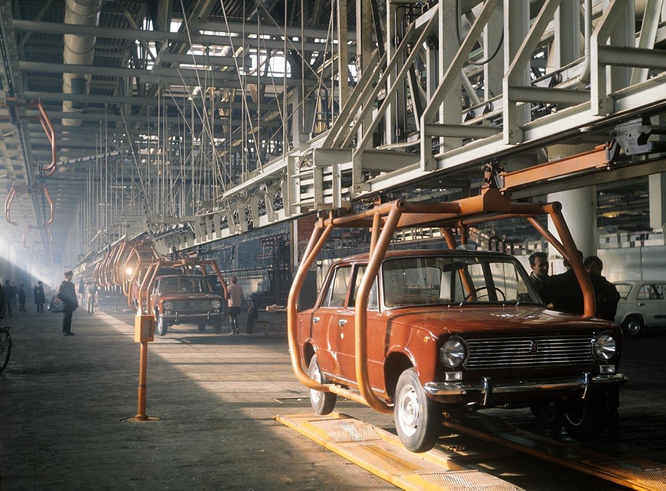 Glavni tekoči trak tovarne VAZ
