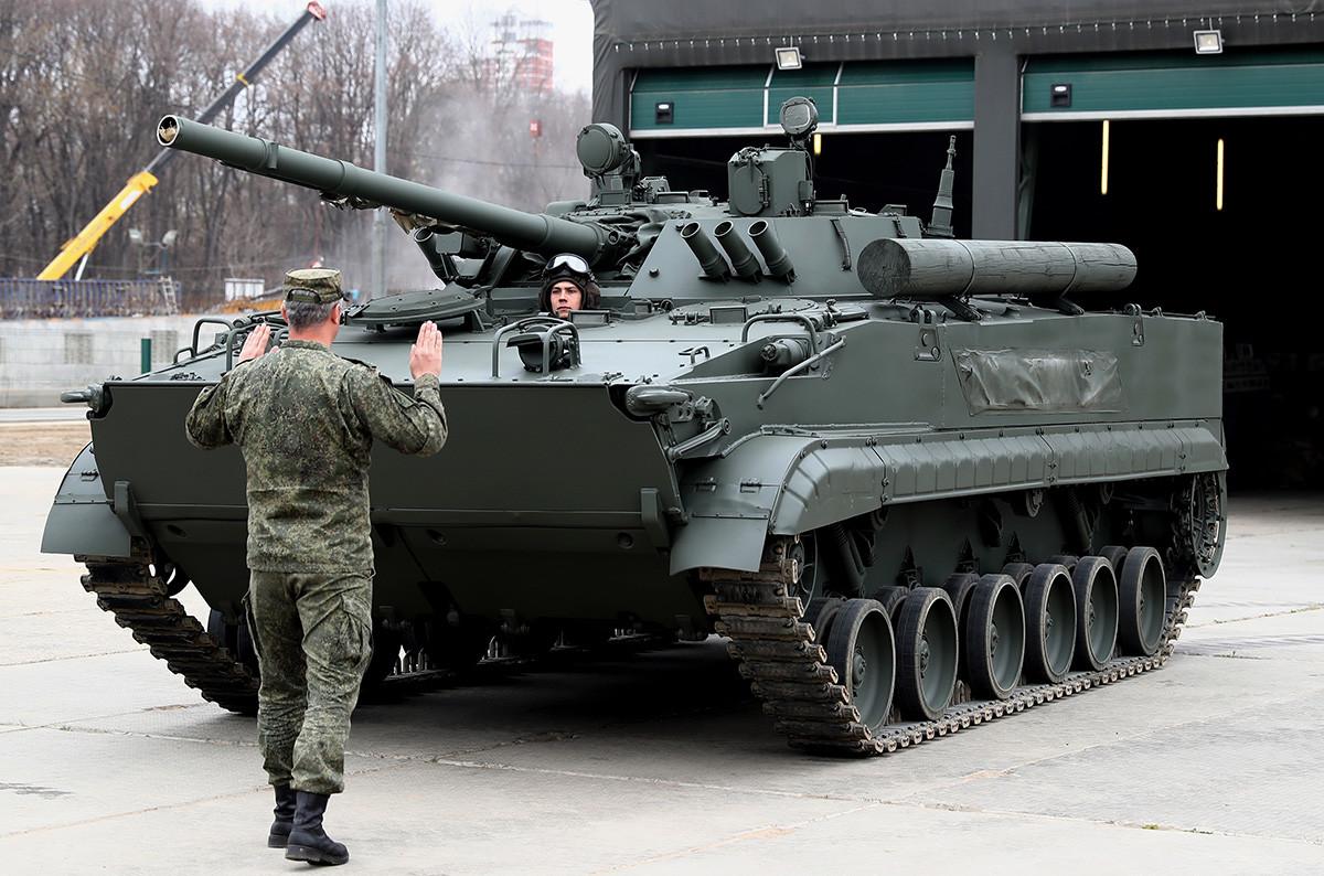 Un vehículo de combate de infantería BMP-3